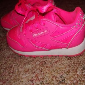 Reebok Shoes   Hot Pink Classic 5c